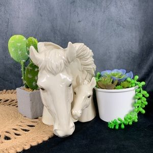 Vintage Accents - 🌵 Vintage Mare and Foal Horse Head Planter Vase